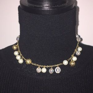 VINTAGE Faux Pearls Gold Tone Necklace